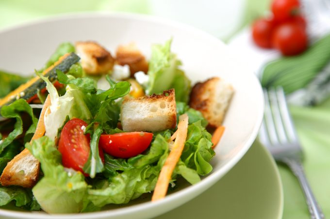短期ダイエットに成功したら野菜を中心に栄養バランスのとれた食生活に戻していく